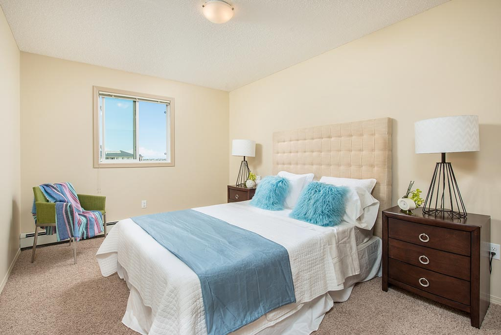 Apartment in South Edmonton - Tamarack Manor